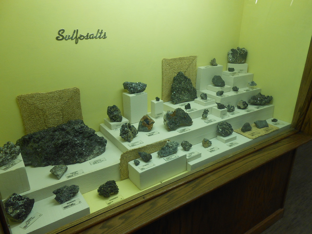 MUS-SouthDakotaSchoolMinesMuseum25.thumb.JPG.b1942066f07412d047e2267c8dc987f7.JPG