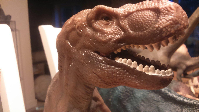 T-rex.thumb.jpg.6f115e6412cedf1655cfac44b185cd8b.jpg